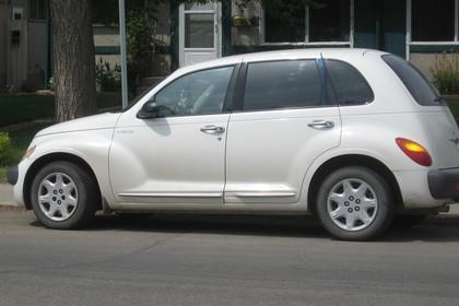 Chrysler PT Cruiser Aussenansicht Seite schräg statisch weiss