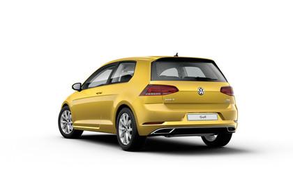 VW Golf 7 Facelift Dreitürer Aussenansicht Heck Studio statisch gold