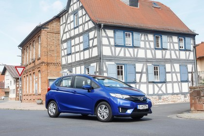 Honda Jazz GK Aussenansicht Seite schräg statisch blau