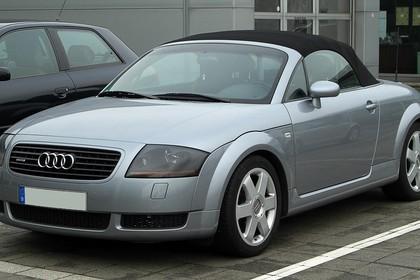 Audi TT 8N Roadster Aussenansicht Front schräg statisch silber