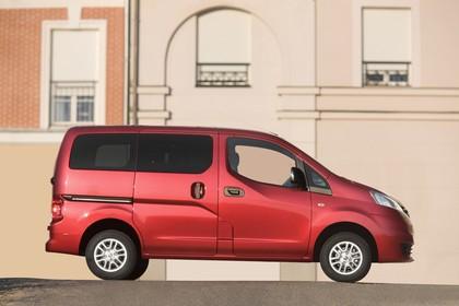 Nissan Evalia NV200 Aussenansicht Seite statisch rot