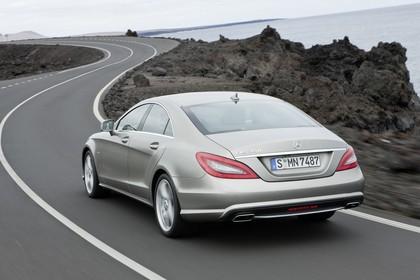 Mercedes-Benz CLS C218 Aussenansicht Heck schräg dnamisch silber