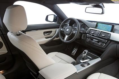 BMW 4er Gran Coupe F36 Innenansicht Beifahrerposition Studio statisch beige