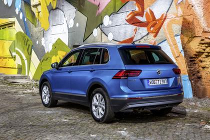 VW Tiguan 2 AussenansichtHeck schräg statisch blau