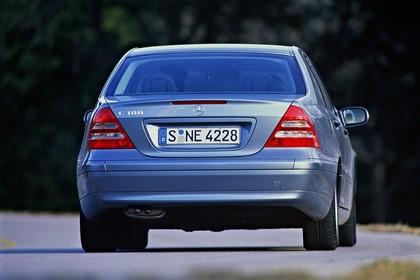 C-Klasse Limousine (W203) Aussenansicht Heck statisch blau