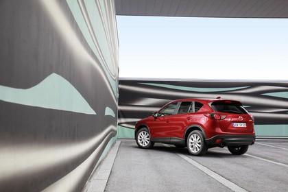 Mazda CX-5 KE Aussenansicht Heck schräg statisch rot
