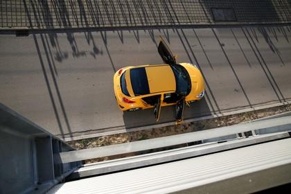 Hyundai Veloster FS Aussenansicht Draufsicht statisch gelb