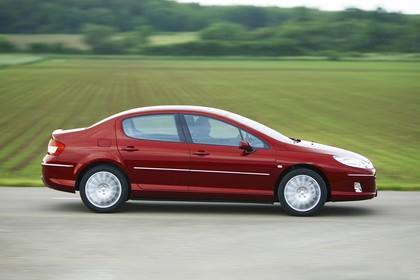 Peugeot 407 6 Facelift Limousine Aussenansicht Seite dynamisch rot