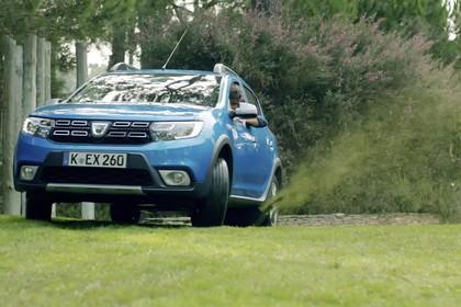Dacia Sandero Stepway Aussenansicht Front schräg statisch blau