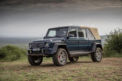 Mercedes-Benz G-Klasse W463 Aussenansicht Front schräg statisch blau