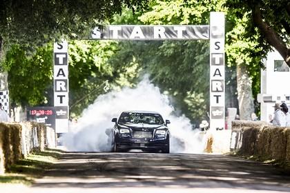 Rolls-Royce Wraith Aussenansicht Front dynamisch dunkelviolett