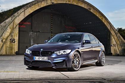 BMW M3 F80 Aussenansicht Front schräg statisch blaugrau