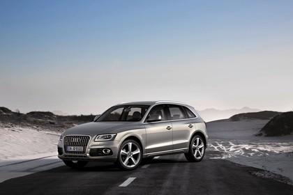 Audi Q5 8R Aussenansicht Front schräg statisch silber