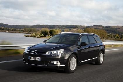 Citroën C5 Tourer R Aussenansicht Front schräg dynamisch schwarz