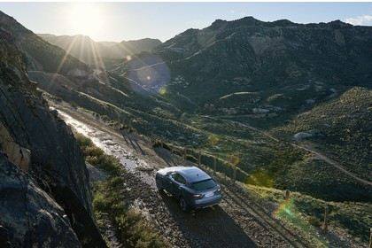 Maserati Levante Aussenansicht Heck schräg erhöht statisch grau