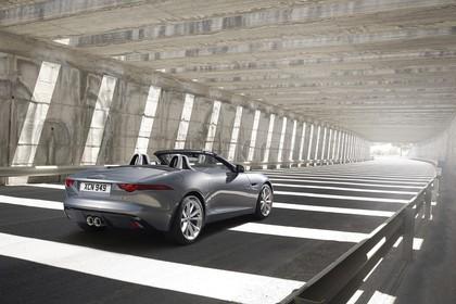Jaguar F-Type V6 S Cabriolet QQ6 Aussenansicht Heck schräg statisch grau