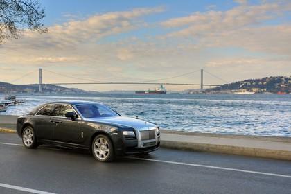 Rolls-Royce Ghost Aussenansicht Seite schräg statisch schwarz