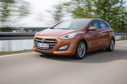 Hyundai i30 GD/GDH Aussenansicht Front schräg dynamisch braun