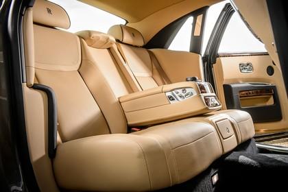 Rolls-Royce Ghost Innenansicht statisch Studio Rücksitze beifahrerseitig
