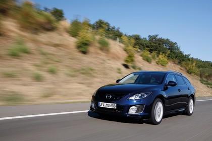 Mazda 6 Kombi GH Aussenansicht Front schräg dynamisch blau