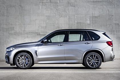 BMW X5 M F85 Aussenansicht Seite statisch silber