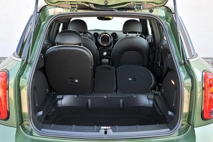 MINI Countryman R60 LCI Innenansicht statisch Kofferraum Rücksitze 2/3 umgeklappt