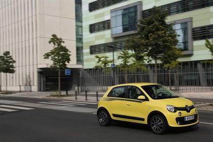 Renault Twingo III Aussenansicht Seite schräg dynamisch gelb