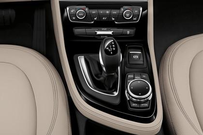 BMW 2er Gran Tourer Innenansicht Detail Mittelkonsole statisch beige