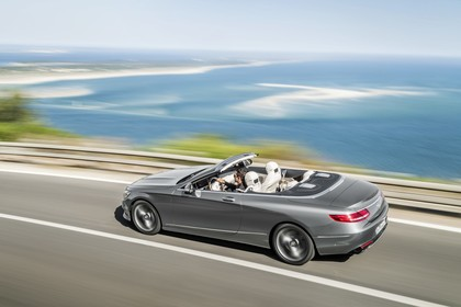 Mercedes-Benz S-Klasse Cabriolet A207 Aussenansicht Seite schräg erhöht dynamisch silber