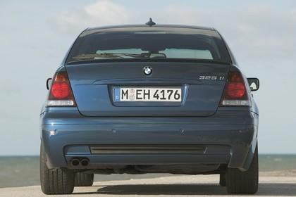 BMW 3er Compact E46 Aussenansicht Heck statisch blau