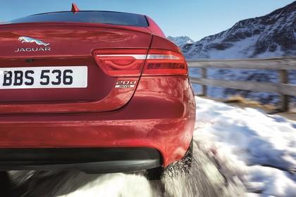 Jaguar XE X760 Aussenansicht Heck dynamisch Detail Rückleuchte rechts