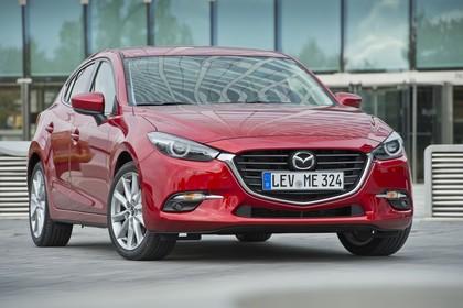 Mazda 3 BM Fünftürer Aussenansicht Front schräg statisch rot