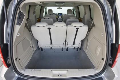 Chrysler Voyager RT Innenansicht statisch Studio Kofferraum