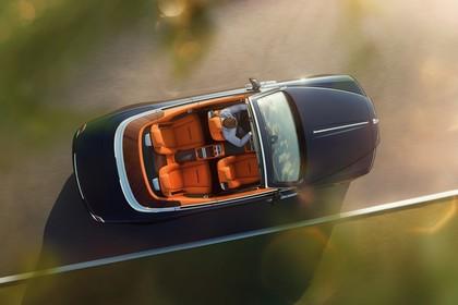 Rolls-Royce Dawn Aussenansicht Draufsicht dynamisch schwarz