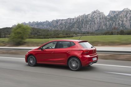 SEAT Ibiza Aussenansicht Seite schräg dynamisch rot