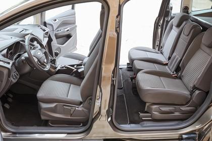 Ford Grand C-MAX Innenansicht Armaturenbrett Vordersitze und Rücksitze