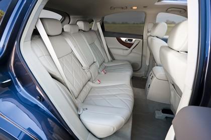 Infiniti FX S51 Innenansicht statisch Rücksitze beifahrerseitig