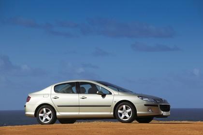 Peugeot 407 6 Limousine Aussenansicht Seite schräg statisch beige