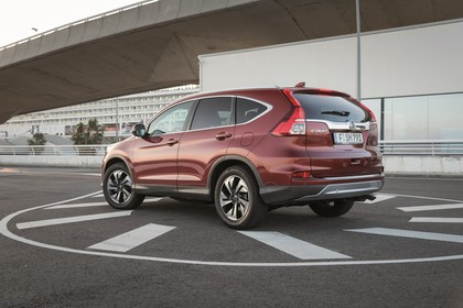 Honda CR-V RE Aussenansicht Seite schräg statisch rot