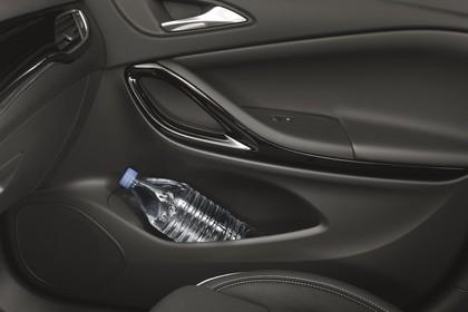Opel Astra K 5türer Innenansicht Türverkleidung Beifahrer vorne statisch schwarz