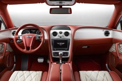 Bentley Flying Spur Innenansicht statisch Studio Vordersitze und Armaturenbrett