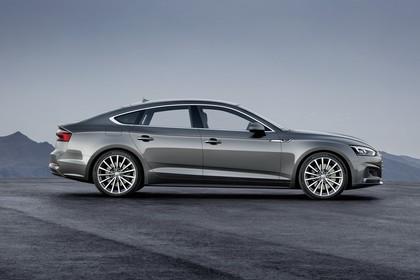 Audi A5 Sportback F5 Aussenansicht Seite statisch grau