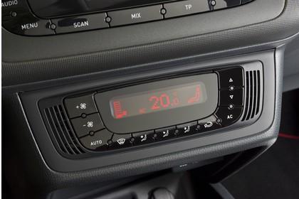 SEAT Ibiza SC 6P Innenansicht Klimatronik