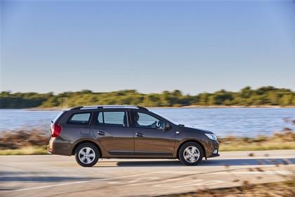 Dacia Logan MCV K8 Aussenansicht Seite dynamisch braun