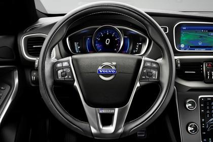 Volvo V40 M/525 Innenansicht Detail statisch schwarz Cockpit