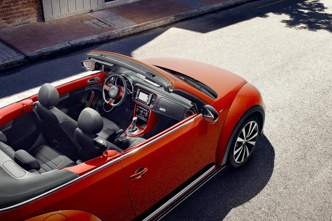 Vw Beetle Cabrio Aussenansicht Seite Schräg Erhöht Statisch Rot