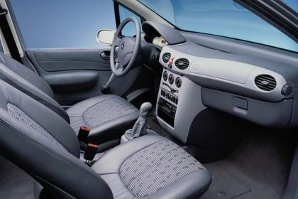 Mercedes A-Klasse W168 Studio Innenansicht Beifahrerposition statisch grau