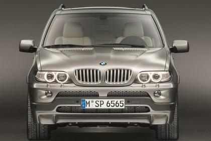 BMW X5 E53 LCI Aussenansicht Front statisch Studio braun