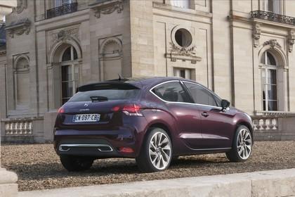 Citroën DS4 Aussenansicht Heck schräg statisch violett