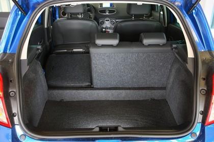 Renault Clio Fünftürer R Innenansicht statisch Studio Kofferraum